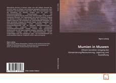 Buchcover von Mumien in Museen