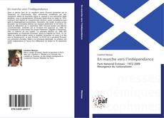 En marche vers l'indépendance kitap kapağı