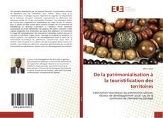 Buchcover von De la patrimonialisation à la touristification des territoires