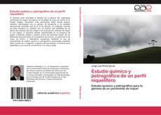 Bookcover of Estudio químico y petrográfico de un perfil niquelífero