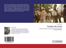 Bookcover of Family Life Circle