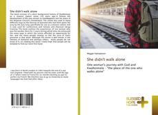 Buchcover von She didn't walk alone