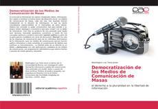 Democratización de los Medios de Comunicación de Masas kitap kapağı
